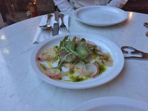 本日のお魚とピスタチオペーストのカルパッチョ